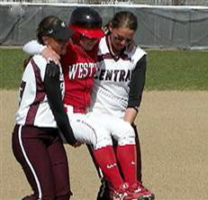 softballcarry_080501300w2